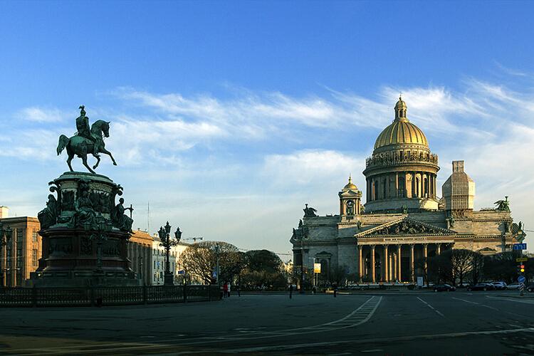 俄罗斯飞机往返8日游 高端4星住宿 圣彼得堡 红场 克里姆林宫 莫斯科