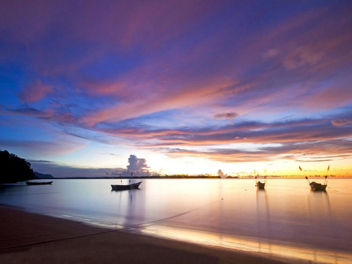 """普吉岛是泰国最大的海岛,以其迷人的风光和丰富的旅游资源被称为""""安达"""