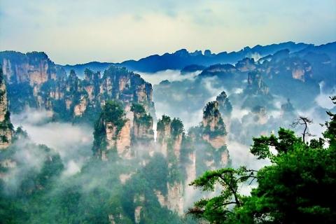 长沙到张家界国家森林公园+黄龙洞+天门山+凤凰古城
