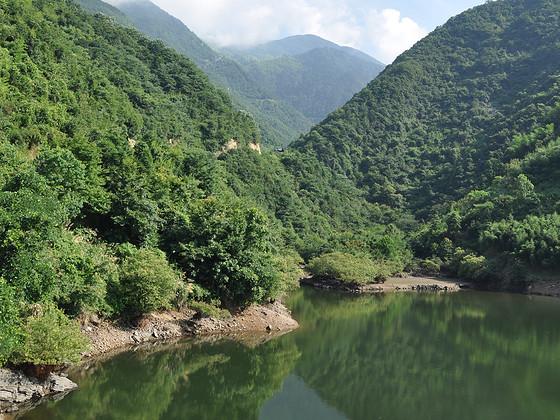 杭州西湖与西溪,深入千岛湖,健行天目山,探奇农家乐.