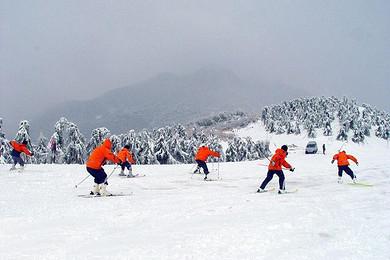 安吉江南天池滑雪住安吉凯旋门大酒店2天1晚自由行图片
