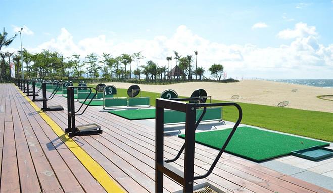 【高尔夫套餐b】阳江高尔夫球场双人行 入住五星级海陵岛保利皇冠假日