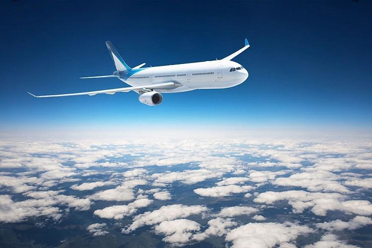 搭乘国际航班前往韩国,抵达仁川机场后解散.