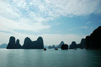 越南越美 芒街 下龙 天堂岛 巡州岛 木偶戏 海防 河内