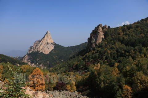 """""""小黄山""""雾灵西峰大森林,大峡谷,高山滑水,欢乐戏水1日游!"""