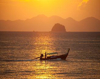 泰国普吉岛全程海边五星酒店+赠送帝王岛+浮潜情定桃花岛+泰式经典spa