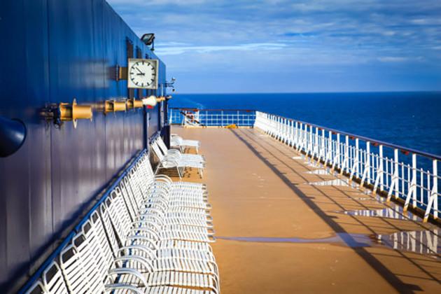 第3天  冲绳 细沙海滩,微涩海风,还有蔚蓝天空下明晃晃的海水