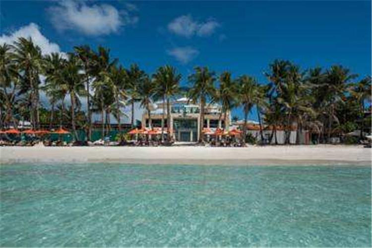 """世界旅游杂志评定为""""世界上最美的海滩"""",享有日光浴天堂美誉的长滩岛."""