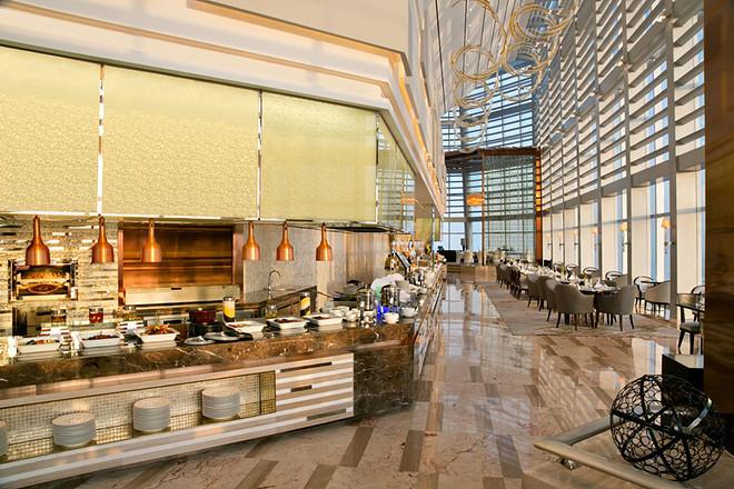 享酒店60层景观餐厅自助早晚餐!