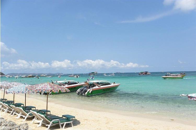 泰国芭提亚珊瑚岛珊瑚岛,又叫做可兰岛,在芭堤雅海岸10公里以外,岛上