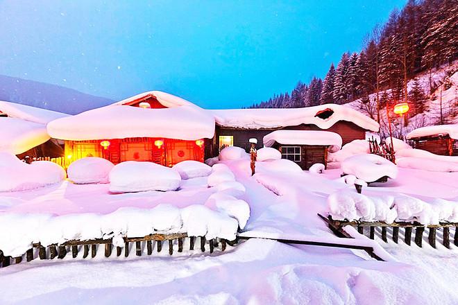厅及多处雪景房,山泉冰川,雪乡观景台,雪房,雪雕龙头,白桦林,梅花园