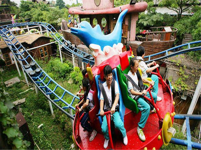 15:00-16:30到【童话动物园】游览:长鹿童话动物园突破了世界传统