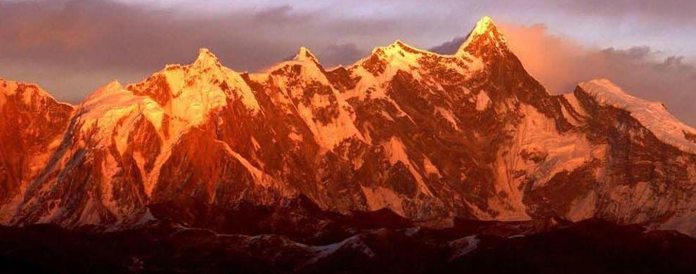 美在南迦巴瓦峰