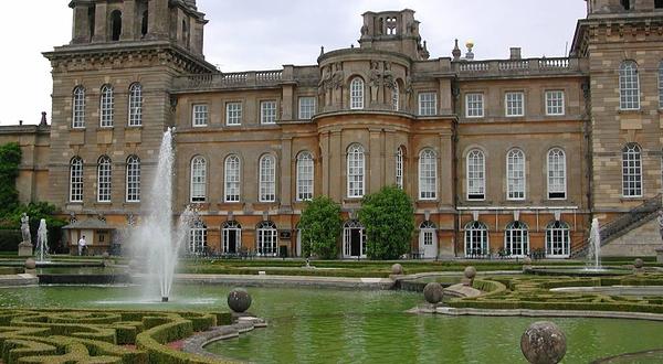 丘吉尔诞生地布莱尼姆宫