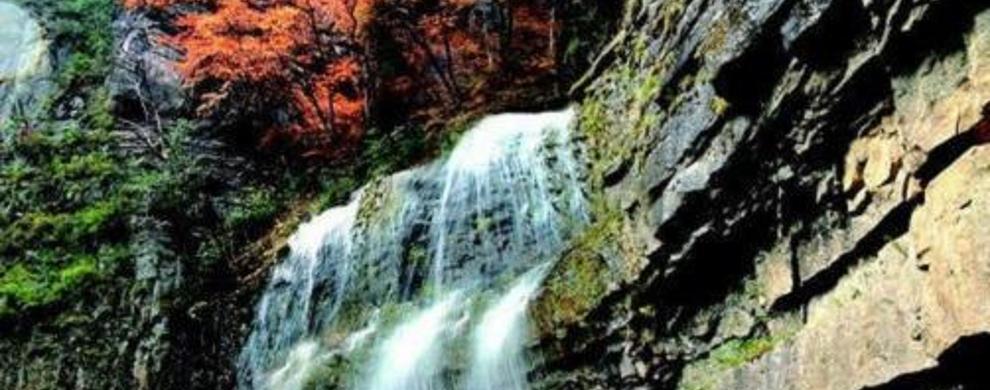 龙王壁瀑布