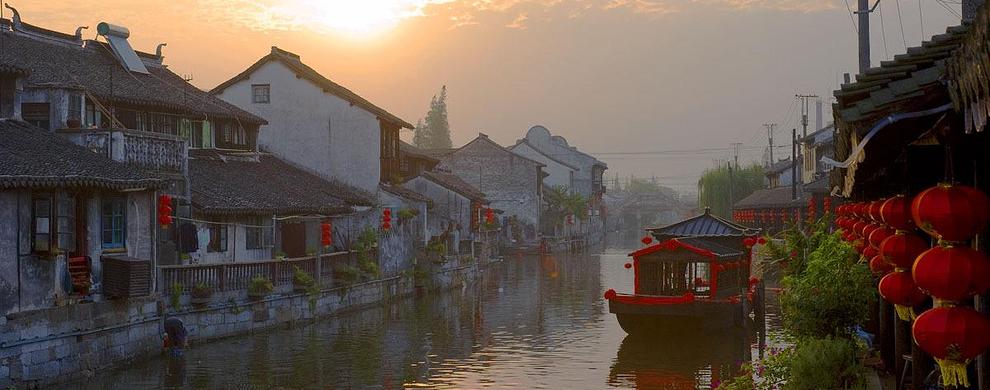 典型的江南水乡集镇