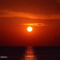 塞班岛星条旗号夕阳邮轮