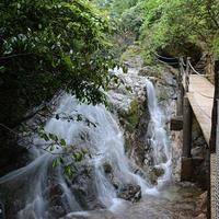 三联峒冰泉旅游景区
