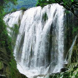 环江牛角寨瀑布群景区