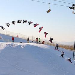 喀什泽普金湖杨国际滑雪场