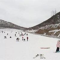 铜鼓七星岭滑雪场