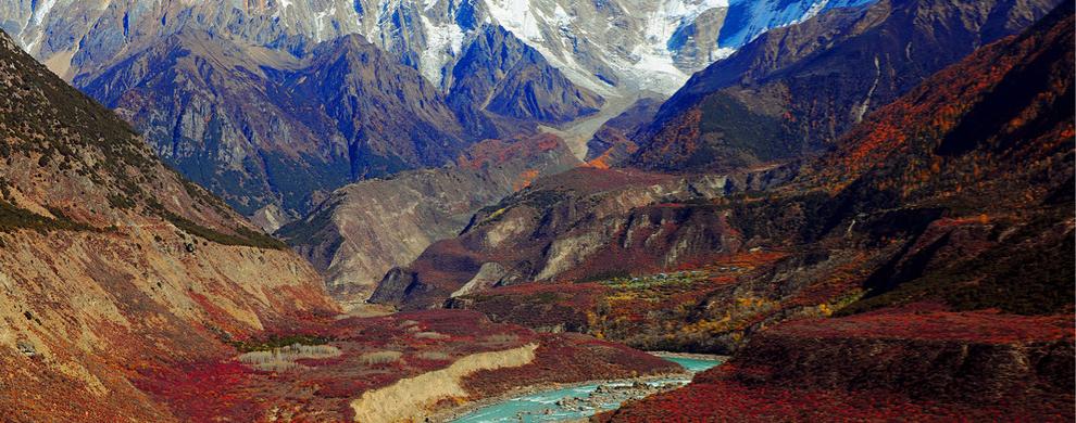 南迦巴瓦和雅鲁藏布大峡谷秋色