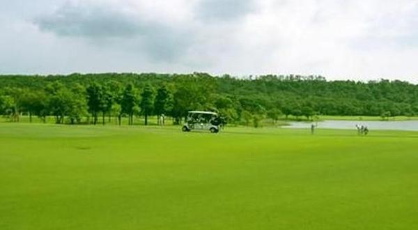 台湾桃园龙潭高尔夫俱乐部