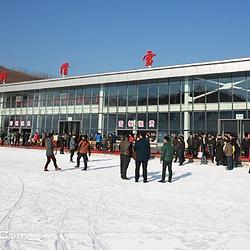 莱芜雪野滑雪场