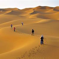 库木塔格沙漠景区