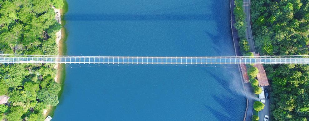 石燕湖天空玻璃廊桥