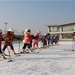 龙之山东归滑雪场