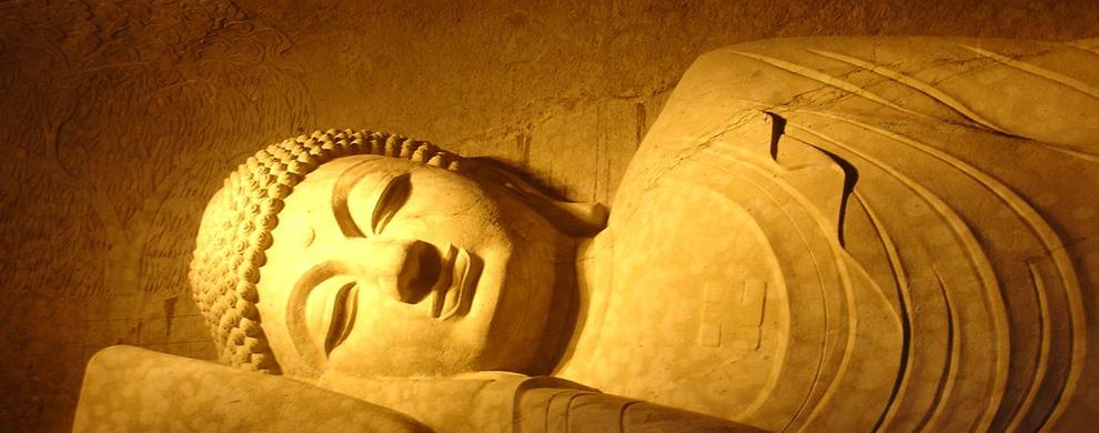 石雕弥勒大佛