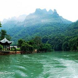 金秀圣堂湖生态旅游景区