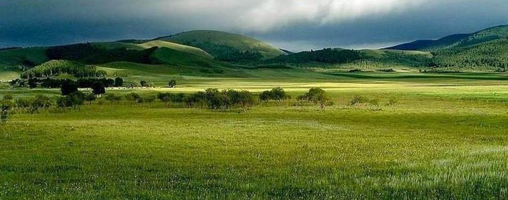 旷野无垠的草原风光