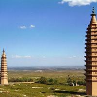拜寺口双塔