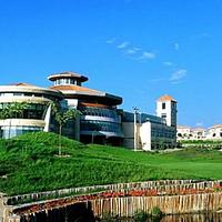 雪莲山高尔夫球俱乐部
