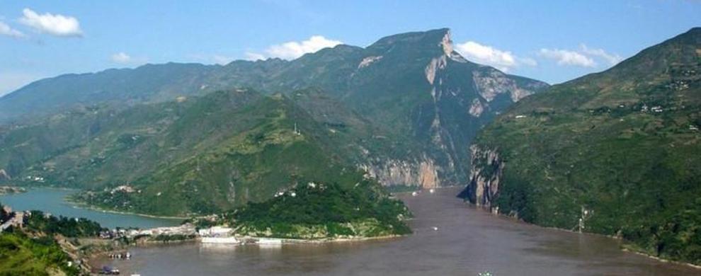 长江三峡的起点
