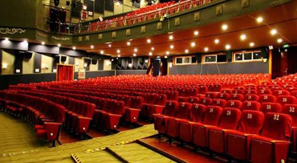 大理巨幕影院