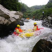 浮盖山峡谷漂流