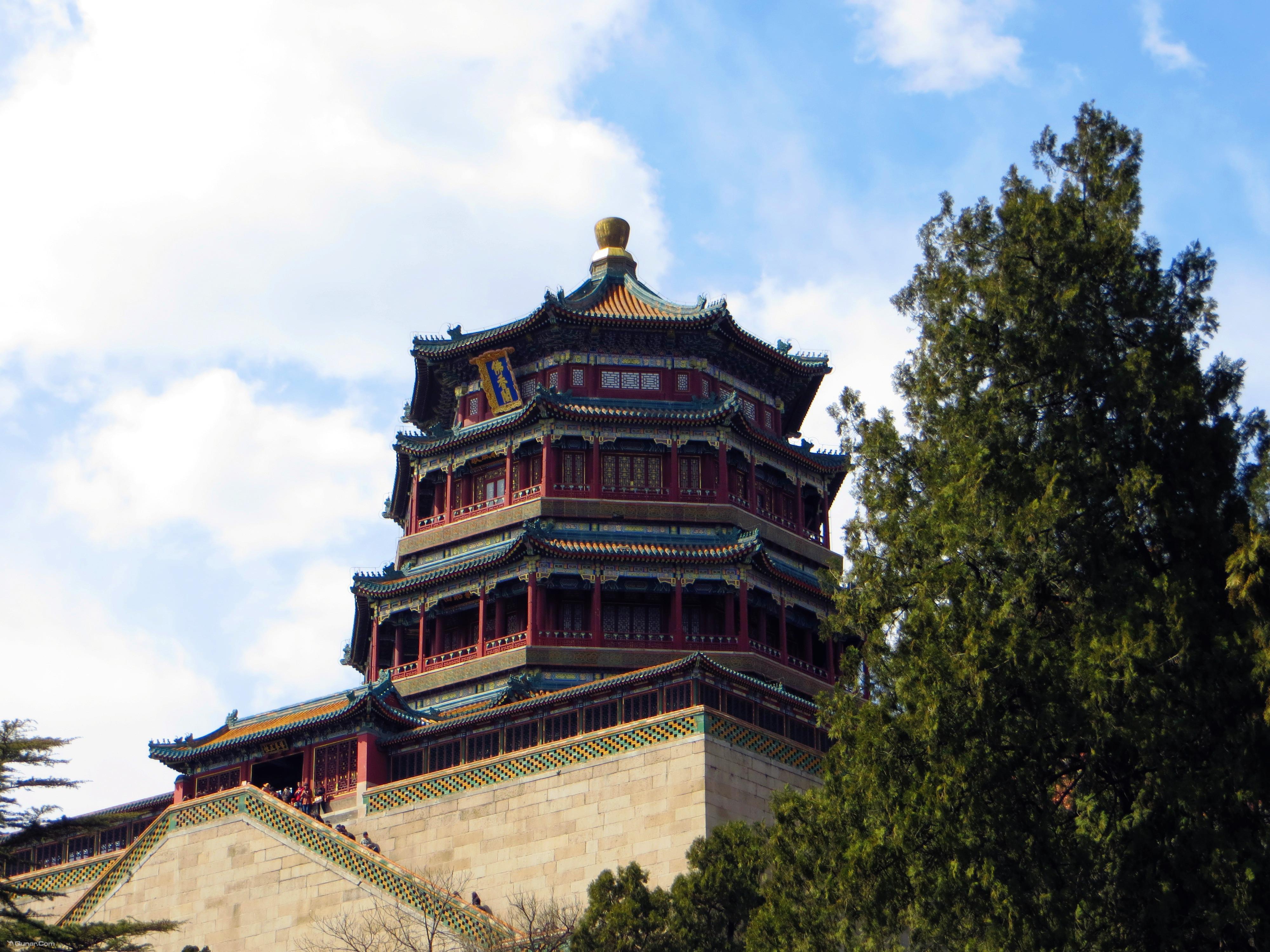 颐和园远处的塔是什么塔