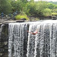 吊水楼瀑布