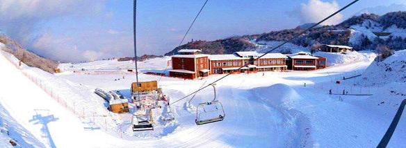 阿坝温泉滑雪