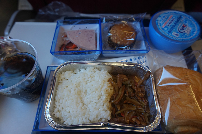 香港航空的飞机餐,空姐和空乘更让我喜爱!帅的