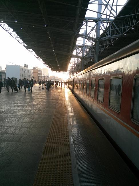 昆明火车站图片