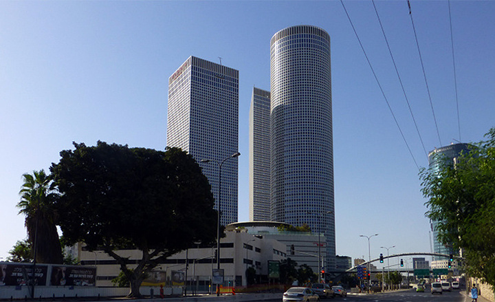 """""""很多建筑带有德国""""鲍豪斯学院""""派设计风格_HaYarkon街181号""""的评论图片"""