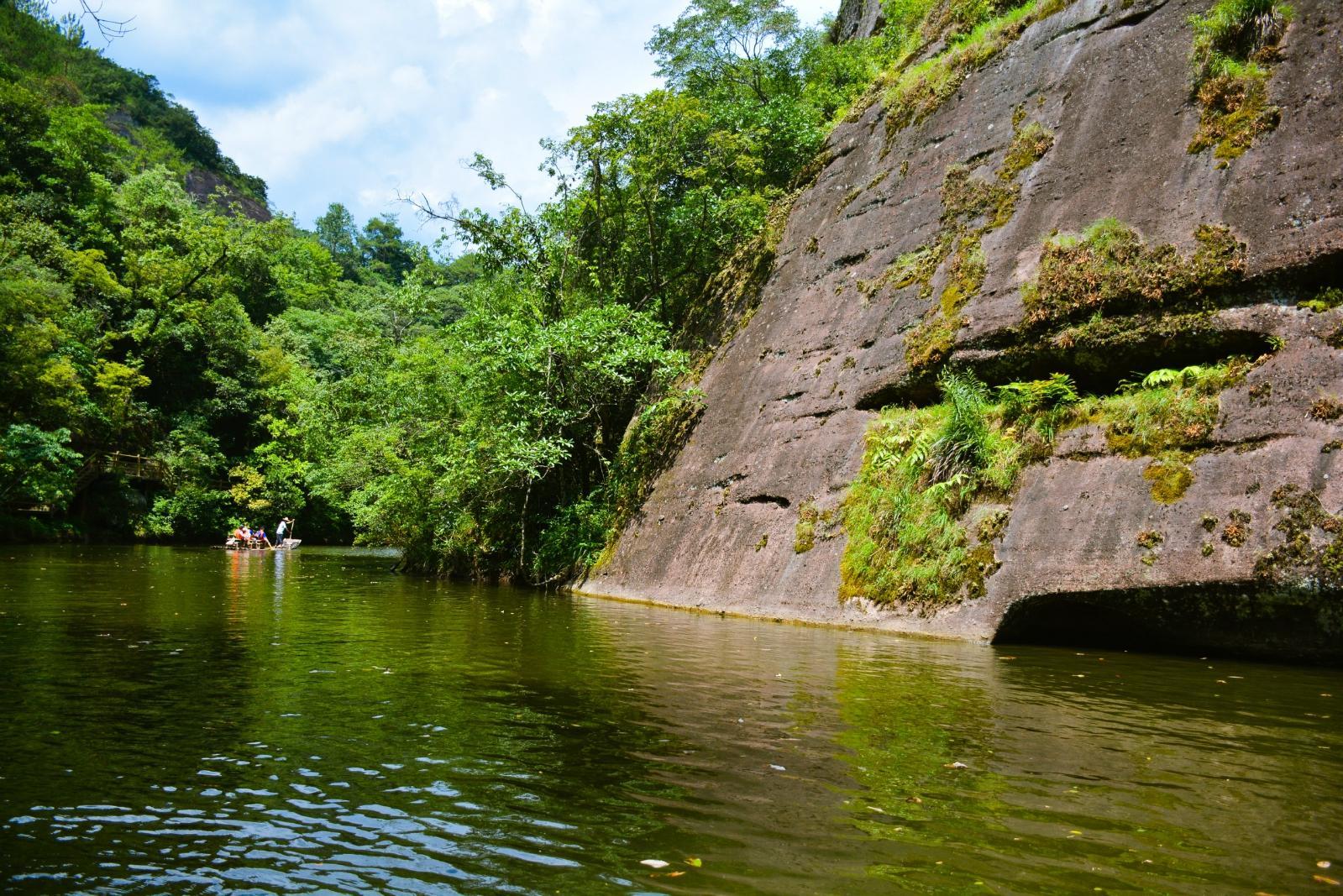 九龍潭風景區位于福建省泰寧縣世界自然遺產,世界地質公園北部核心區.