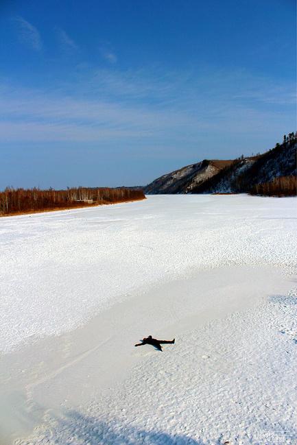 东北哈尔滨北极漠河村7日游_哈尔滨旅行攻略旅游朋友攻略青蛙喂食图片