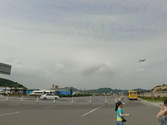 舟山飞机场确实是使用中了
