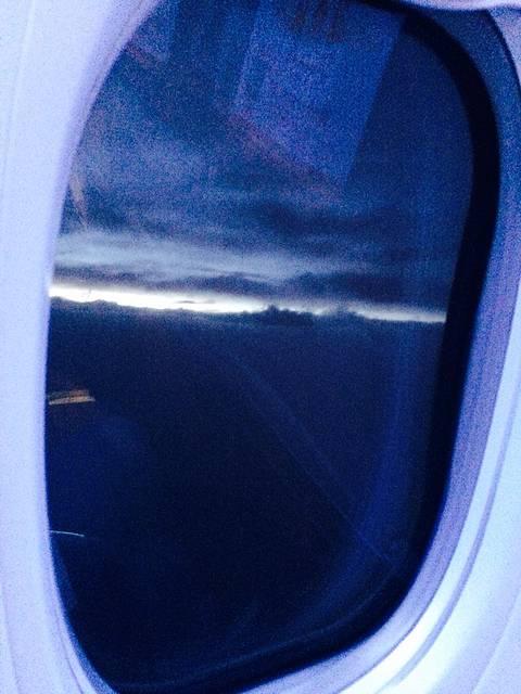 唐山五月份晚上飞机