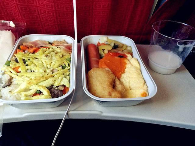 西伯利亚航空北京到伊尔库茨克的飞机餐